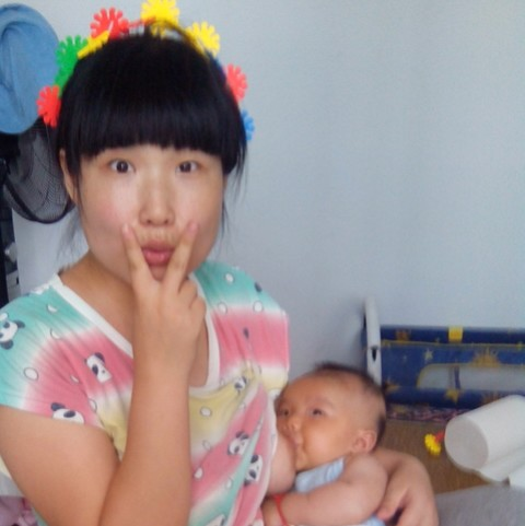老公吃奶视频_自认为最漂亮的喂奶照,都来晒晒_坐月子中 宝宝第9天_宝宝树