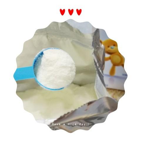 每天的便便质量也特别好,奶粉的包装上有一只可爱的小熊熊,正好我家